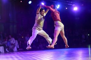 Patrick Szmidt und Natasha Ouimet begeisterten das Publikum mit ihrer energiegeladenen Lindy Hop-Performance
