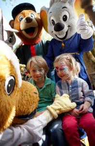 Zwerge, Feen, Zauberkraft – wir feiern heute sagenhaft: Die Euromaus lädt zum großen Märchenfest in Grimms Märchenwald!