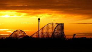 Colossos im Heide Park bei Sonnenuntergang