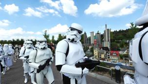 Hunderte Star Wars-Figuren besuchen 2018 das LEGOLAND Deutschland zu den Star Wars-Tagen