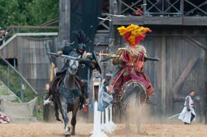 Absoluter Höhepunkt des Wochenendes am 22. und 23. Juni im LEGOLAND Deutschland ist der Einzug der Kaltenberger Ritter auf den eigens errichteten Turnierplatz.
