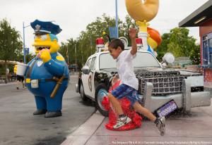 Chief Wiggum kann auf den Straßen von Springfield im Universal Orlando Resort angetroffen werden.