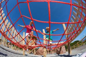 Balance-Probe für Jung und Alt im Niederseilgarten PillerseeTal