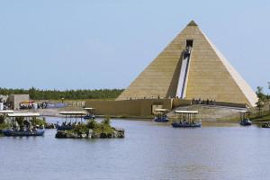 Die Wasserrutsche Fluch des Pharao war im Fokus der südkoreanischen Gäste im Belantis Leipzig.