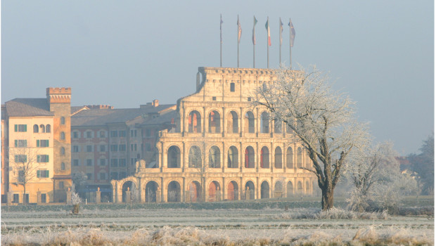 Europa-Park Hotel Colosseo im Winter