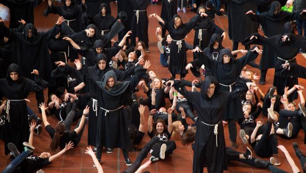 Flug der Dämonen Flashmob Hamburg