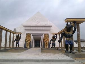 Pyramide im EnergyLandia