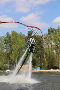 Neu 2014: Hollywood's Talking Dead - Wasserski Stunt Show. (Foto: Holiday Park