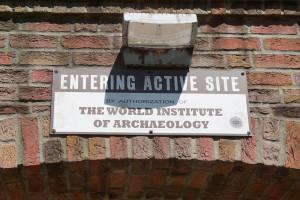 Schild am Eingang - The Lost Temple Eröffnung