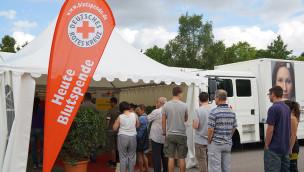 Erlebnispark Tripsdrill freut sich über rege Teilnahme bei Blutspende-Aktion 2014