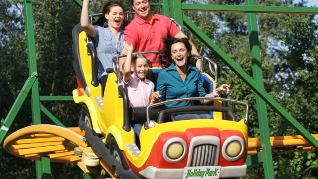 Hollys Wilde Autofahrt im Holiday Park