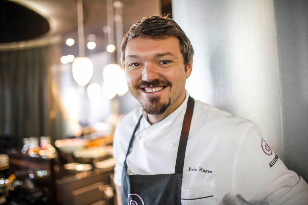 Peter Hagen im Ammolite Restaurant im Europa-Park