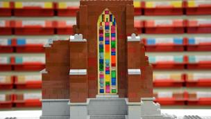 LEGOLAND Deutschland baut das Ulmer Münster aus LEGO Steinen