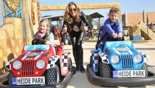 Heide Park – Wüstenflitzer von Bettina Cramer und ihren Zwillingen eingeweiht