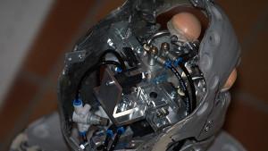 Technik im Animatronic-Kopf