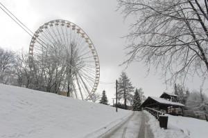 Fort Fun Riesenrad im Schnee