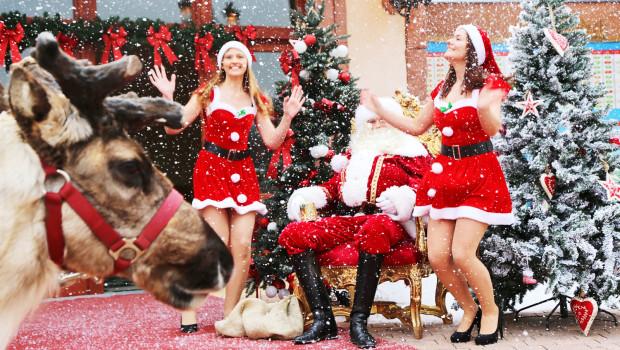 Holiday Park Summer Xmas Santa Girls