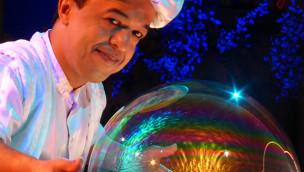 250 Menschen in einer Seifenblase: Hammou Bensalah plant Weltrekord im Europa-Park