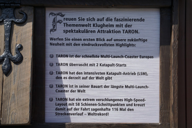 Taron Fakten Hinweistafel - Klugheim im Phantasialand
