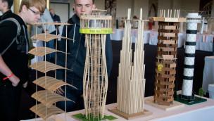 """Beste Modell-Aussichtstürme des Schülerwettbewerbs """"Weitblick"""" 2015 im Europa-Park geehrt"""