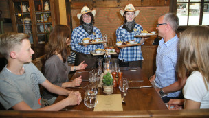 Heide Park eröffnet Western-Restaurant Bulls & Bandits im Abenteuerhotel