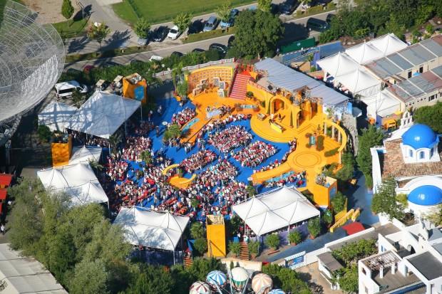 """Luftaufnahme der """"Immer wieder sonntags""""-Arena (Foto: Europa-Park)"""