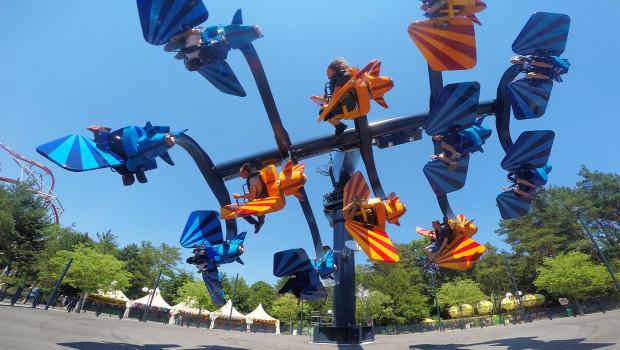 Sky Fly OnRide im Holiday Park mit Überschlägen