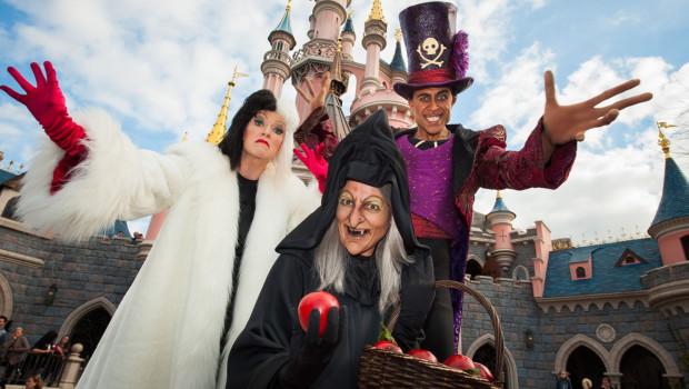Disney-Bösewichtige zu Halloween im Disneyland Paris