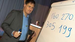Kopfrechen-Weltmeister Gert Mittring stellt neuen Rekord bei Science Days 2015 im Europa-Park auf