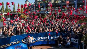 """""""Ingenieure, so wichtig wie noch nie"""": Roland Mack begrüßt 2015 rund 600 KIT-Erstsemester im Europa-Park"""