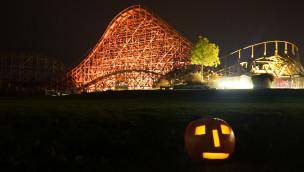 Tripsdrill - Mammut in Halloween-Beleuchtung
