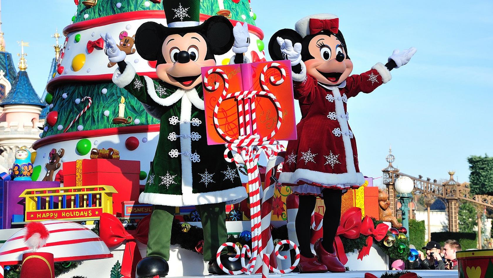 Disneyland paris winter saison 2015 in zahlen fakten zum for Disney weihnachtskugeln