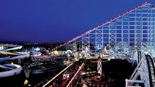 Blackpool Pleasure Beach bei Nacht