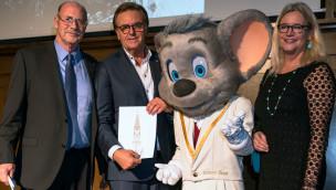 Benefiz-Dinner-Show 2015 im Europa-Park bringt 30.000 Euro zugunsten des Freiburger Münsters ein