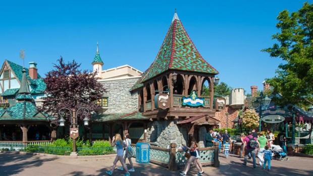 Peter Pan's Flight von außen im Disneyland Paris