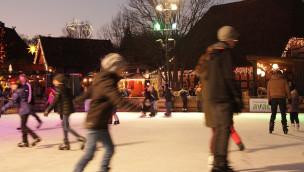 Valentinstag 2016 im Erlebnis-Zoo Hannover: Paarlauf auf der Open-Air-Eisbahn