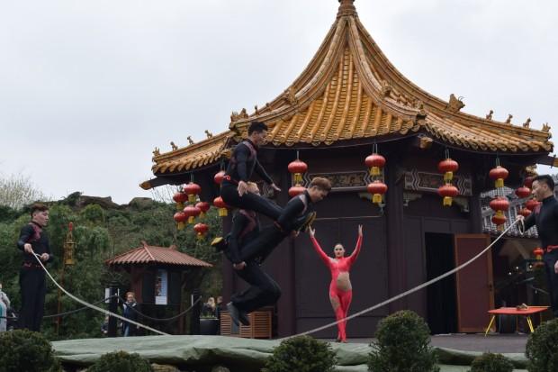 Artistik-Show auf der Open-Air-Bühne im Phantasialand