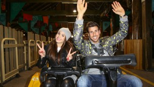 """Angelina Heger und Leonard Freier in """"Colossos"""" im Heide Park"""
