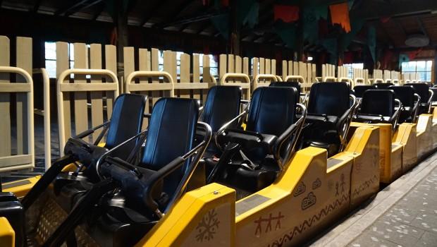 Heide Park-Holzachterbahn Colossos - Zug