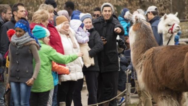 Tierparktag für hilfsbedürftige Menschen in Hellabrunn