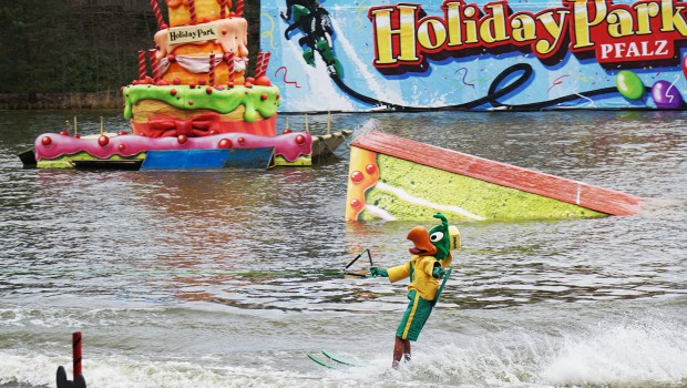 "Holiday Park Wasserski-Show 2016 mit ""Holly"""
