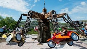 Tripsdrill enthüllt Neuheit 2016: Interaktiver Motorrad-Rundflug mit schwingenden Gondeln