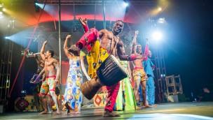 """Hajji Pandu Usi in der neuen Show """"Mother Africa"""" im Serengeti-Park Hodenhagen"""