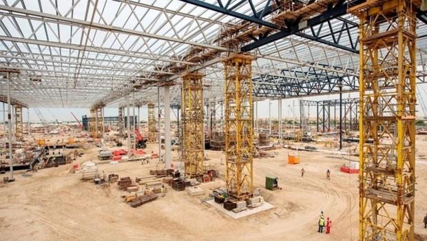 Warner Bros. Freizeitpark in Abu Dhabi - Baustelle im April 2016