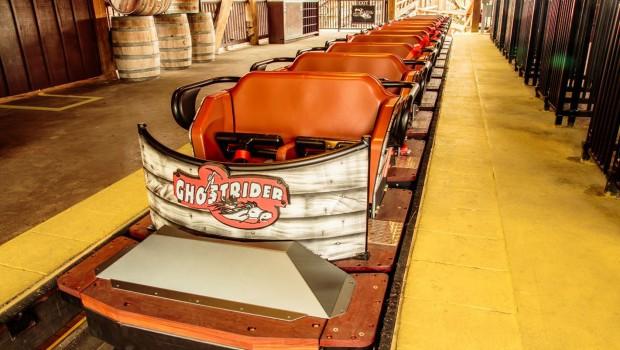 """Einer der neuen Züge von """"GhostRider"""". (Foto: Knott's Berry Farm)"""