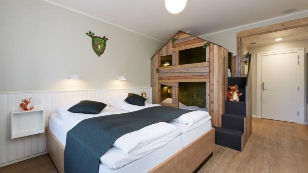 Fårup Hotel Zimmer Kinderbett
