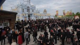 WGT 2016 lockt 10.000 Fans der Schwarzen Szene nach BELANTIS: Auftakt im Freizeitpark ein Erfolg