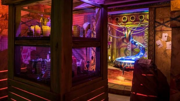 Cobra's Curse Wartebereich in Busch Gardens Tampa
