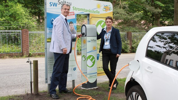 Heide Park E-Tankstelle: Kostenlos Strom tanken vor dem Abenteuerhotel