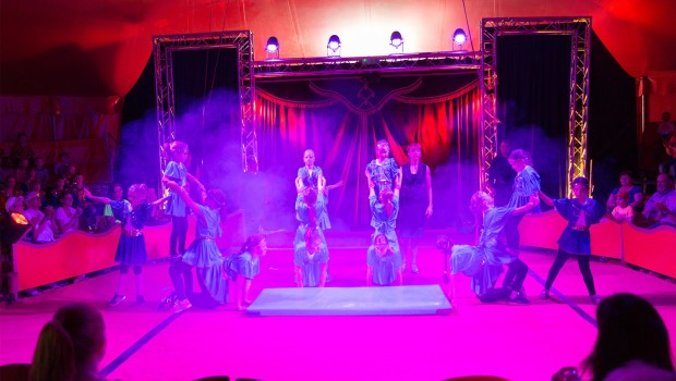 Mitmach-Zirkus Lollipop im Eifelpark - Magie